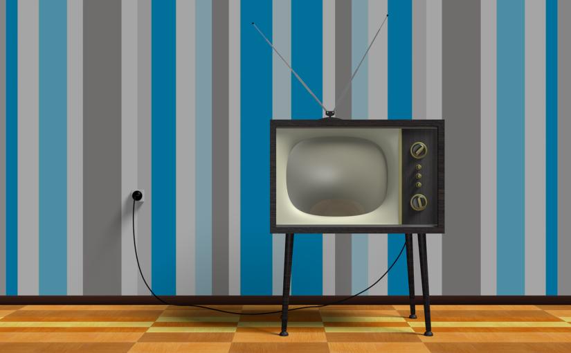 Samotny wypoczynek przed telewizorem, czy też niedzielne filmowe popołudnie, umila nam czas wolny oraz pozwala się zrelaksować.